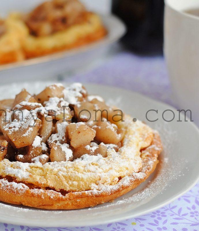 Оладьи с карамельными яблоками (Pfannkuchen)