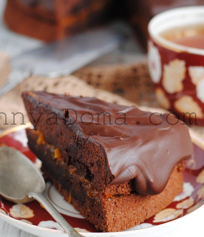 Шоколадный пирог с абрикосовым вареньем