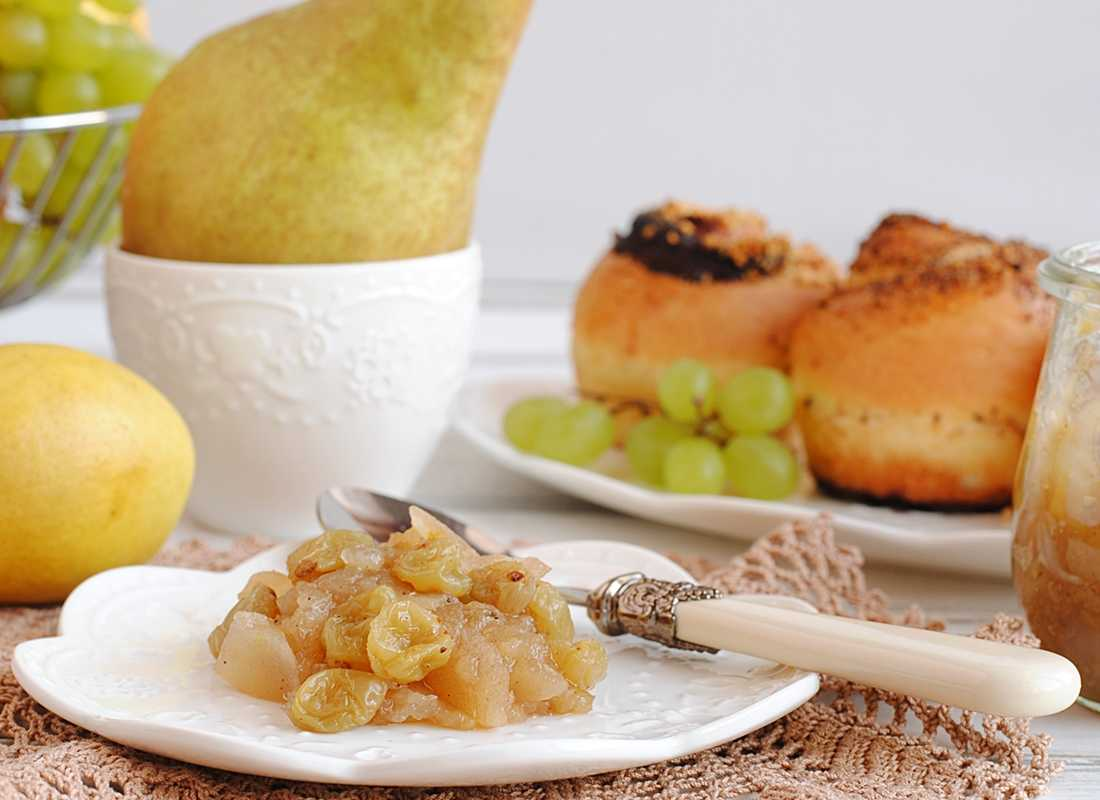 Варенье из груш и винограда с белым вином и лавандой