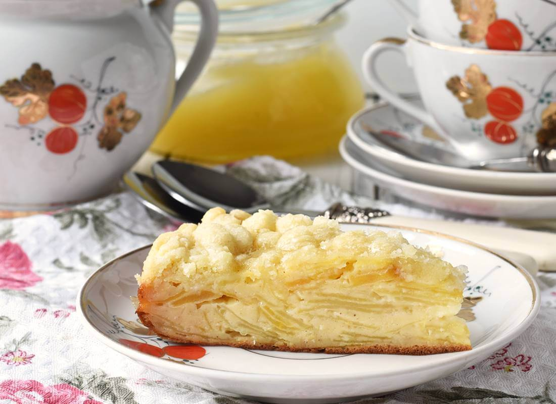 Слоеный яблочный пирог в мультиварке (Cuckoo1051)