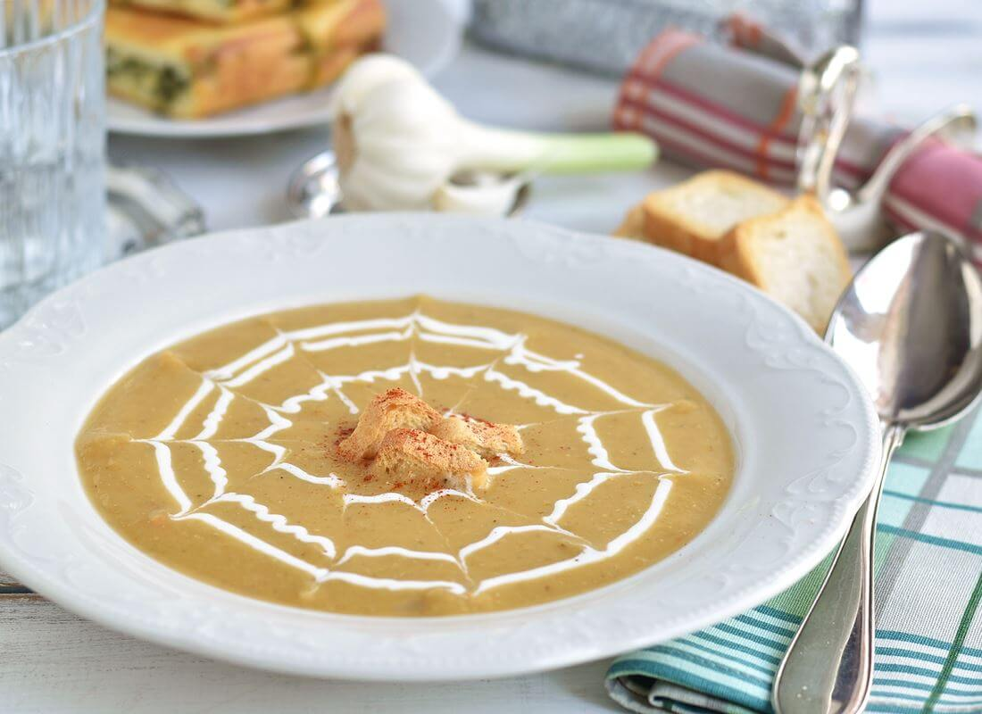 Чечевичный суп «Мерчи» (Mercimek çorbası «Merchi»)