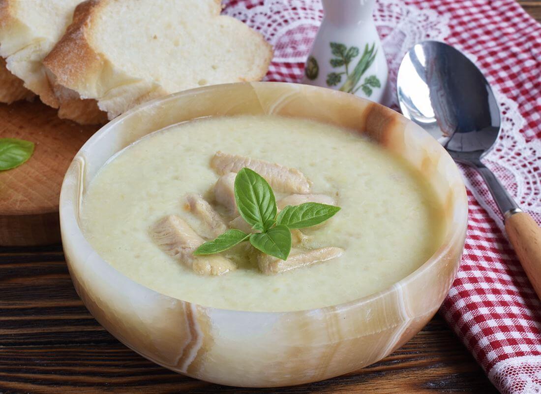 Бархатный суп из цуккини и куриного филе (Vellutata di zucchine e pollo)