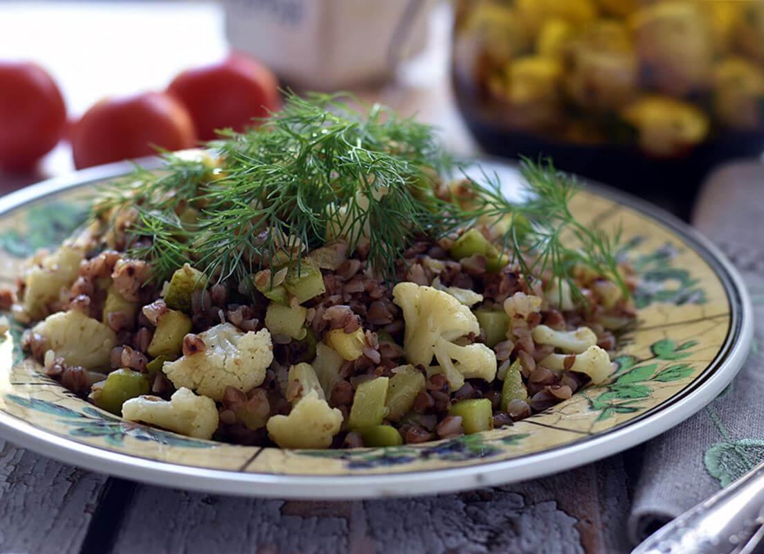 Гречка с жареными овощами