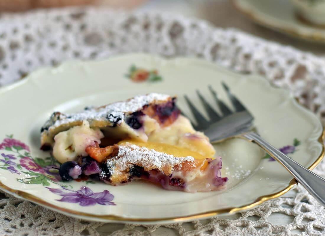 Клафути (Clafoutis)с персиками, черникой и миндалем в духовке и мультипечи (аэрофритюрнице)