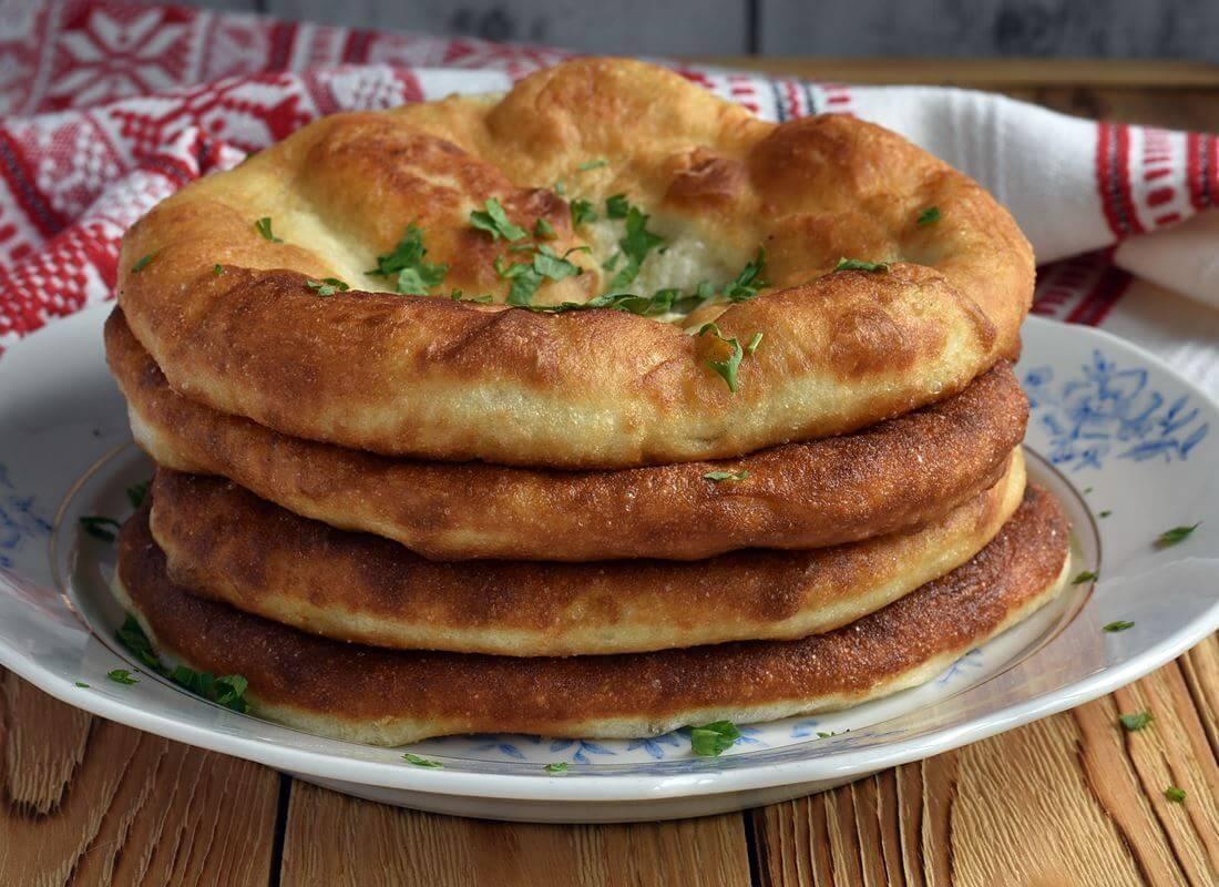 Картофельный лангош (lángos krumplis)